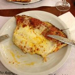 Photo taken at Pizzeria Da Giuliano by Roberto L. on 2/26/2013