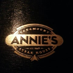 Photo taken at Annie's Paramount Steakhouse by Doug B. on 7/21/2013