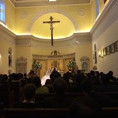 Photo taken at Iglesia de la Veracruz by Michel S. on 4/12/2014