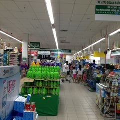 Photo taken at Econsave by Ken-เคน ่. on 9/9/2013