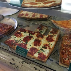 Photo taken at Krispy Pizza - Brooklyn by Eric H. on 7/20/2014
