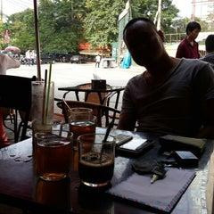 Photo taken at Cây Liễu Cafe by pna on 10/30/2013