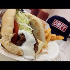 Photo taken at Sunabe Gyros by Frankie G. on 2/18/2013