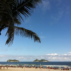 Photo taken at Barra da Tijuca by Lica R. on 3/23/2013