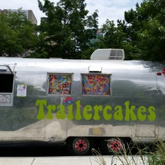 Photo taken at Trailercakes by BlingBlinkyofTEXAS B. on 6/28/2014