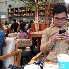 Photo taken at Caffé bene by Ira F. on 4/4/2014