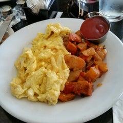 Photo taken at Melba's American Comfort Food by Sondi H. on 8/16/2014