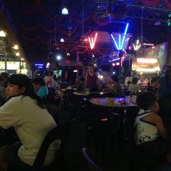 Photo taken at Kuta Bali Cafe (峇里城食坊) by Momo L. on 4/19/2013