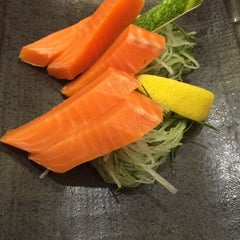 Photo taken at Sushi King by Margareth V. on 12/12/2014
