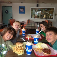 Photo taken at Foster's Freeze by Rachel N. on 8/10/2014