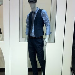 Photo taken at Nordstrom Dadeland Mall by Lawrence H. on 2/20/2013