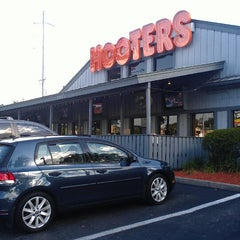 Photo taken at Hooters by Melissa H. on 5/25/2013