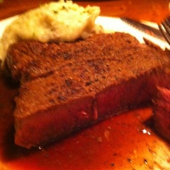 Photo taken at Outback Steakhouse by Matt C. on 1/3/2013