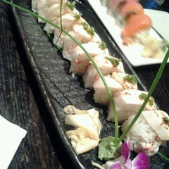 Photo taken at Ki Sushi & Sake Bar by Sammi S. on 11/1/2012
