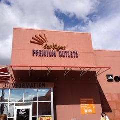 Photo taken at Las Vegas North Premium Outlets by Renata T. on 3/18/2012