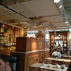 Photo taken at Le Pain Quotidien by Cimarron B. on 8/1/2013