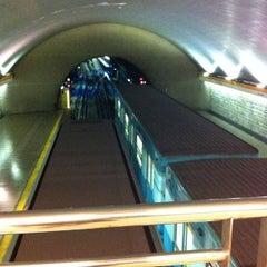 Das Foto wurde bei Metro La Cisterna von Bárbara M. am 2/22/2013 aufgenommen