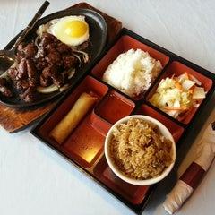 Photo taken at Lotus Vietnamese Cuisine by Li L. on 3/28/2014