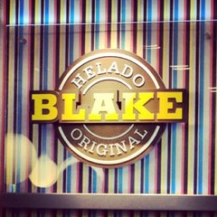 Photo taken at Blake Helado Original by Mario I. on 1/30/2013