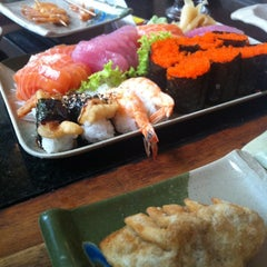 Photo taken at Tosaka by Leandro S. on 12/22/2012