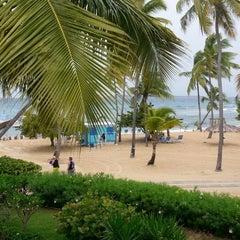 Photo taken at Bolongo Bay Beach Resort by Darrell K. on 6/4/2013