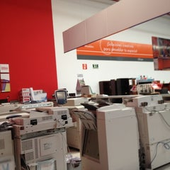 Photo taken at Office Depot by enrique f. on 10/22/2012