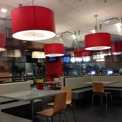 Photo taken at McDonald's by Maz T. on 9/27/2012