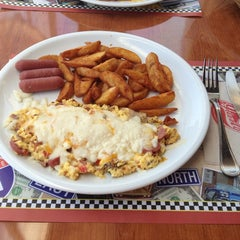 Photo taken at Grizzly - Breakfast Place & Diner by May E. on 7/4/2013