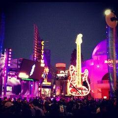 Photo taken at Universal CityWalk by Karla C. on 11/22/2012