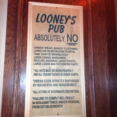 Photo taken at Looney's Pub by Cyrus J. on 12/23/2012