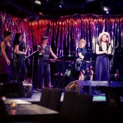 Photo taken at Le Poisson Rouge by Julia on 5/22/2013