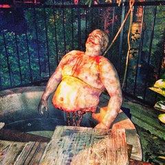 Photo taken at Universal's Halloween Horror Nights 23 by Thiago B. on 10/25/2013