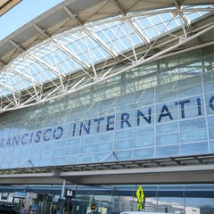 Photo taken at San Francisco International Airport (SFO) by Takashi U. on 10/5/2013