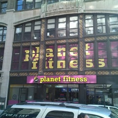Photo taken at Planet Fitness by Leniere M. on 4/21/2013