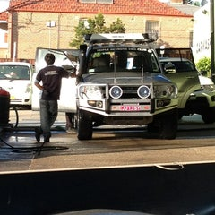 Photo taken at Arpan's Classic 1 Hand Car Wash by DanMissionAust on 1/15/2013