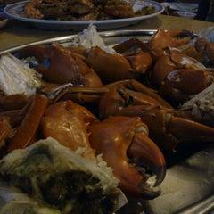 Photo taken at William's Crab Restaurant by Masanori T. on 11/28/2013