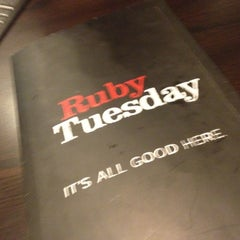 Photo taken at Ruby Tuesday by Rafael S. on 11/4/2012