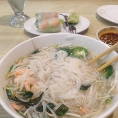 Photo taken at Oodles of Noodles Vietnamese Cuisine by Gerry C. on 6/19/2014