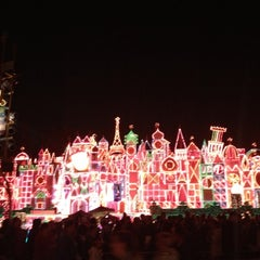 Photo taken at It's a small world by Benny G. on 11/24/2012