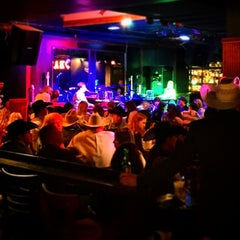 Photo taken at Pete's Dueling Piano Bar by Marc L. on 3/28/2015