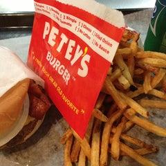 Photo taken at Petey's Burger by Robert C. on 8/20/2013