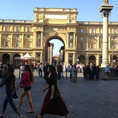 Photo taken at Piazza della Repubblica by yamila M. on 10/25/2012