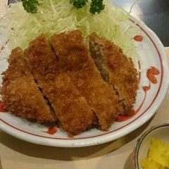 Photo taken at にいむら 大久保店 しゃぶしゃぶ とんかつ by teriyaki on 7/8/2015