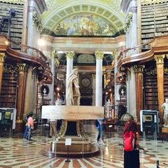 Das Foto wurde bei Prunksaal der Nationalbibliothek von Atalay A. am 7/24/2015 aufgenommen
