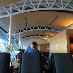 Photo taken at American Airlines Admirals Club by Linda L. on 1/5/2013