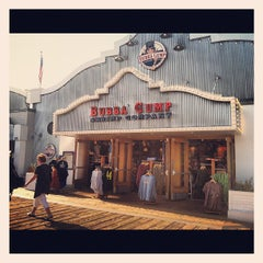 Photo taken at Bubba Gump Shrimp Co. by Karlyn F. on 9/30/2012