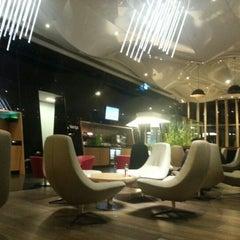 Photo taken at Wings Lounge by Halit Ü. on 1/6/2013