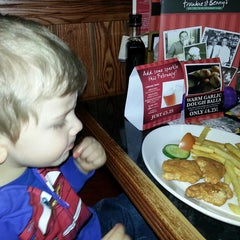 Photo taken at Frankie & Bennys by Roberto F. on 3/1/2014