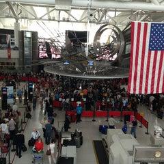 Photo taken at John F. Kennedy International Airport (JFK) by Linka N. on 8/31/2013