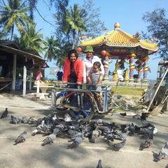 Photo taken at วัดแหลมสน by ณัฏฐนันท์ ค. on 1/5/2014